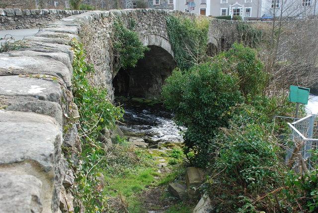 Pont dros Afon Dwyfor - Bridge over Afon Dwyfor Llanystumdwy
