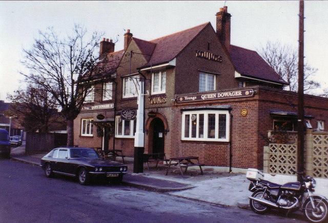 Queen Dowager pub, Teddington