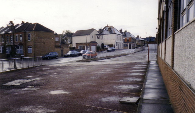 Elm Tree Road, Teddington.