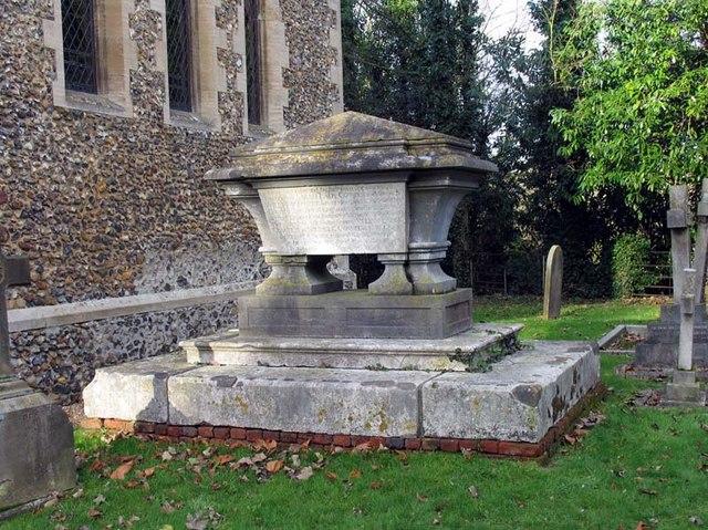 St Mary, Hertingfordbury, Herts - Churchyard