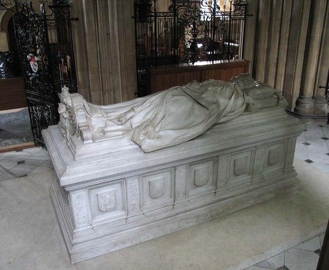 St Mary, Hertingfordbury, Herts - Tomb chest