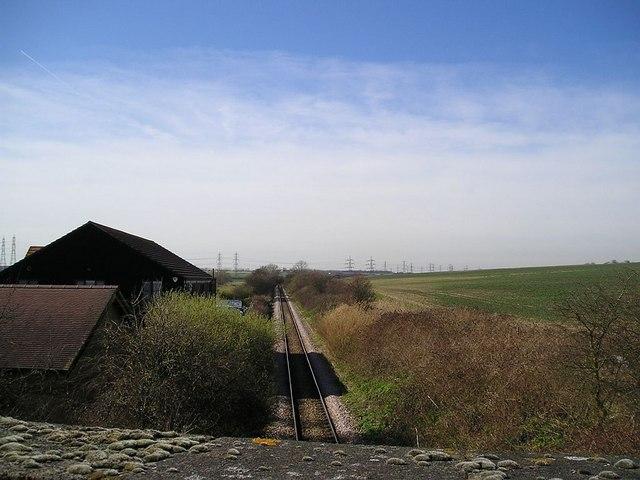 Railway line passing Beluncle Halt, Tonbridge Hill