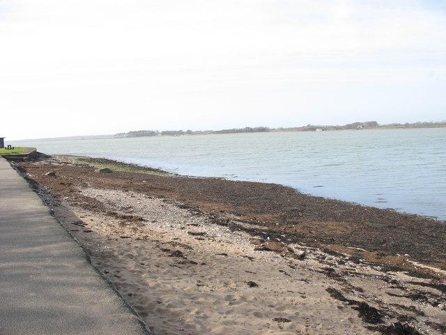 Traeth Tros 'Rabar Beach
