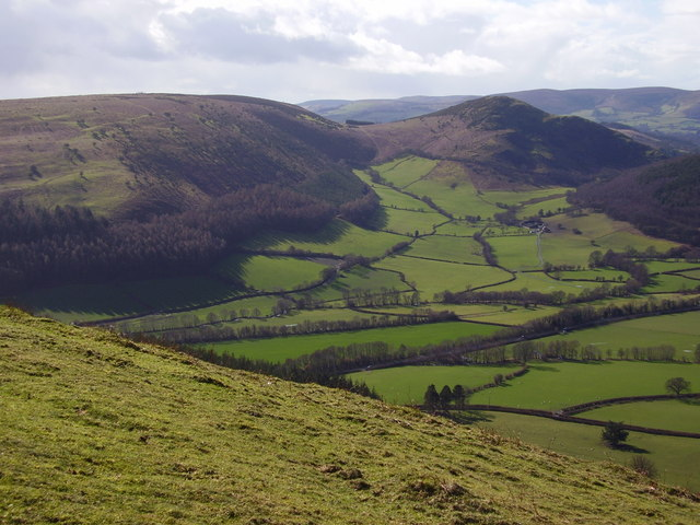 Hanter Hill and Hergest Ridge viewed from Bradnor Hill SSW across Rowbatch and Hartmoor