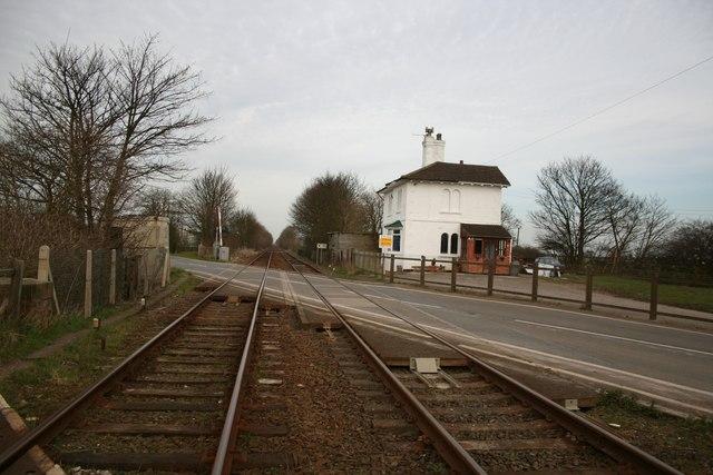Leake Commonside level crossing