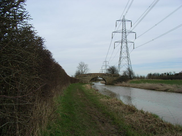 Ashby-de-la-Zouche canal with bridge no.9