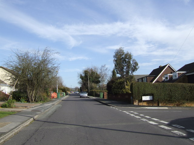 New Road, Clanfield