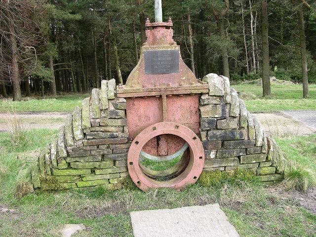 "20"" gate valve - Calf Hey dam 1856"