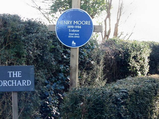 Blue plaque for Henry Moore