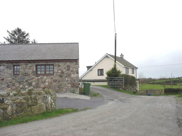 Ty Fferm Vodol Uchaf - a modern farmhouse