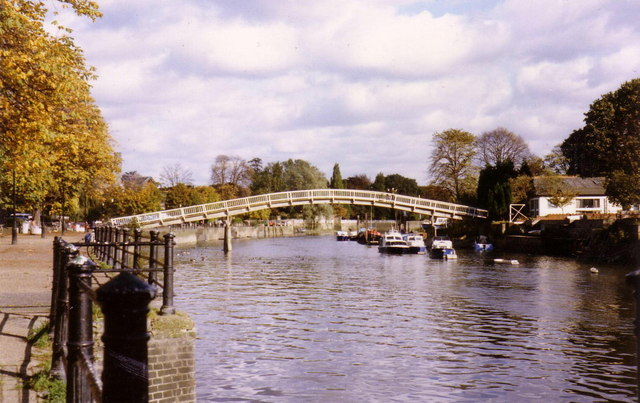 Eel Pie Island footbridge
