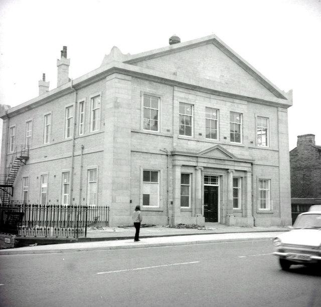 Bradford, Manor Row