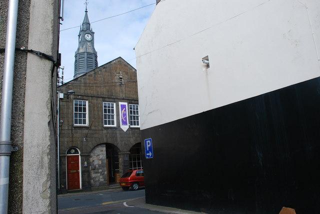 Hen Neuadd y Dref a Siambr y Cyngor Pwllheli Old Town Hall and Council Chamber