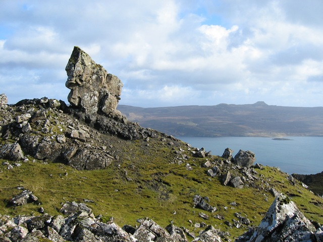 Outcrop on east side of Ben Tianavaig