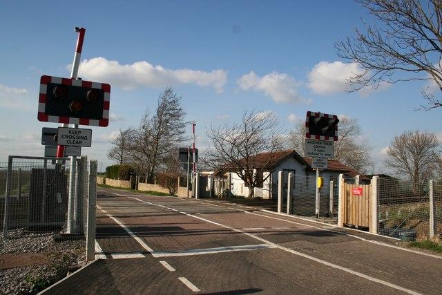 Lucks Road level crossing