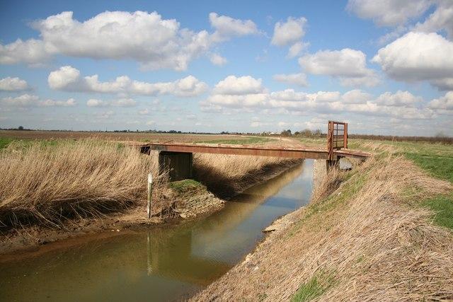 Bridge over South Drove Drain