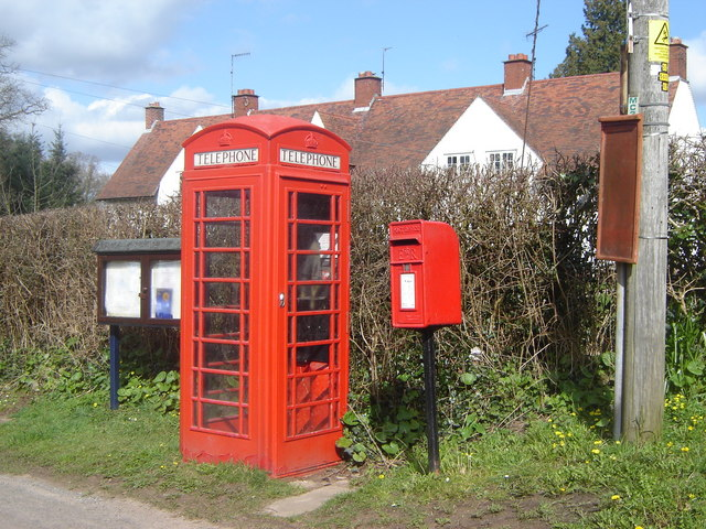 Phone box and Post box, Great Oak (Derwen Fawr)
