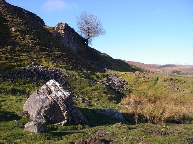 Remains of limekiln below Craig y Castell