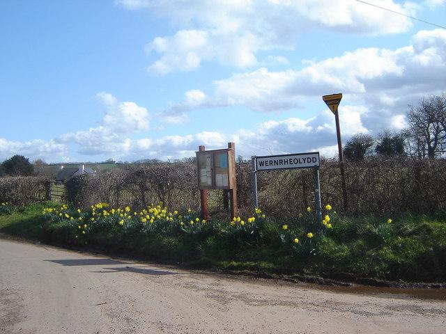 Road junction and village sign, Wernrheolydd