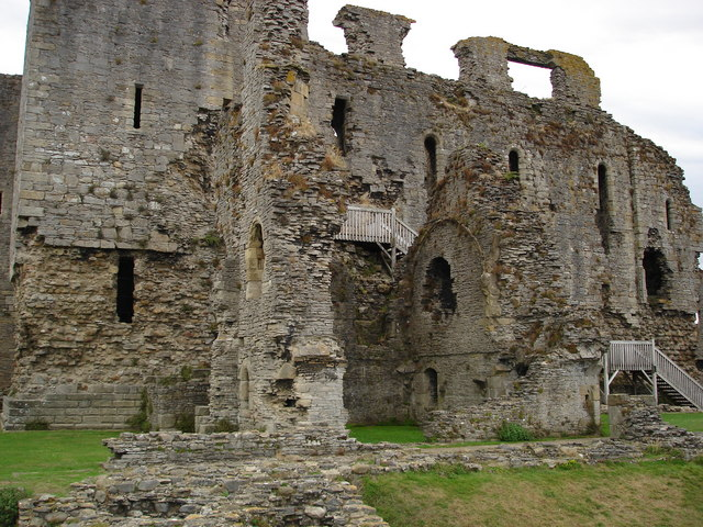 Middleham Castle, East Wall