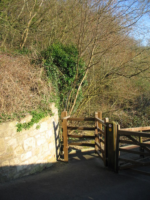 Public footpath to Rush Hill