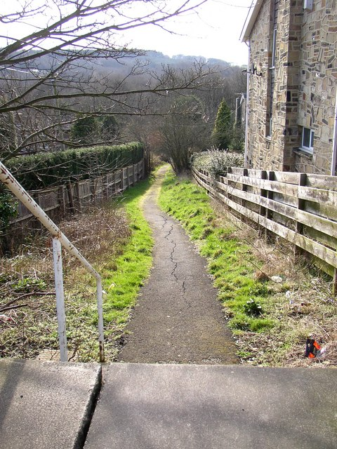 Footpath off Lightridge Road, Fixby