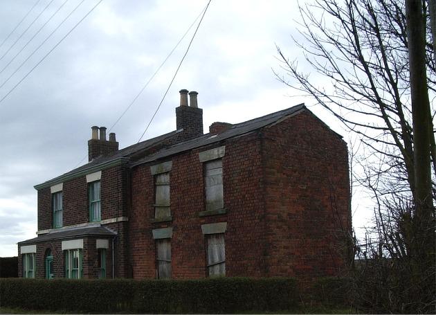 Derelict house on Brookfield Lane, near Holt Green