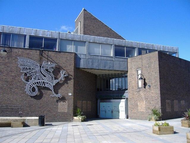 Wyvern Theatre, Swindon