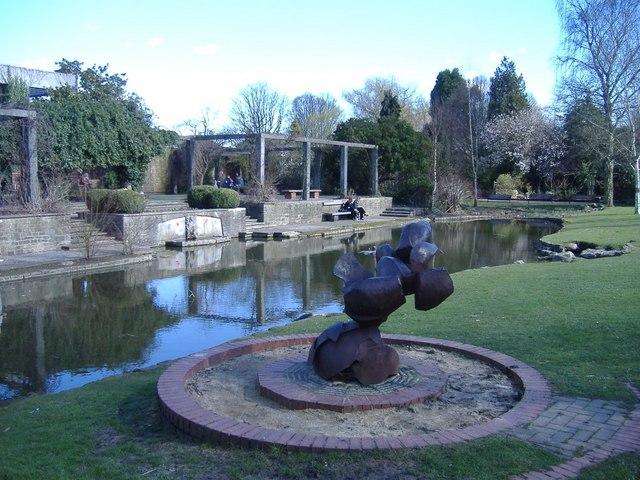 Queen's Park, Swindon