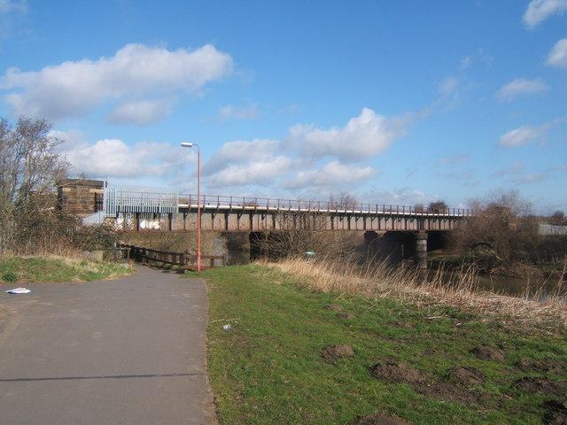 Railway bridge over the river Derwent