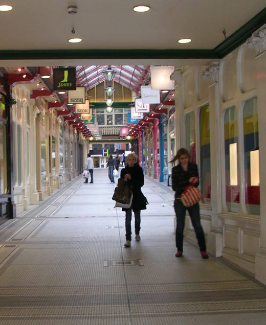 Queen's Arcade, Briggate