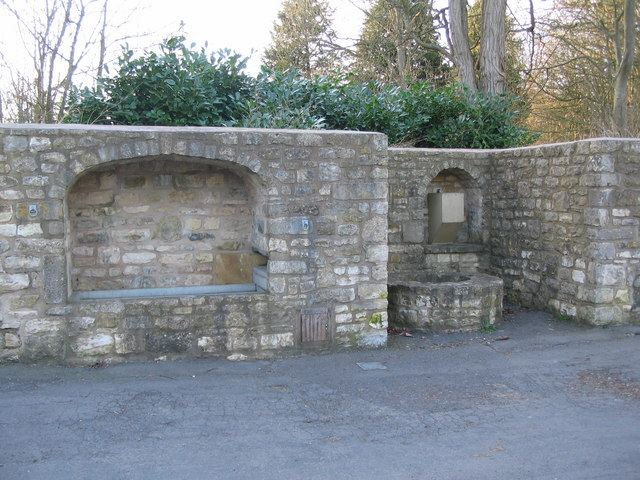Millennium well and water trough at Priston