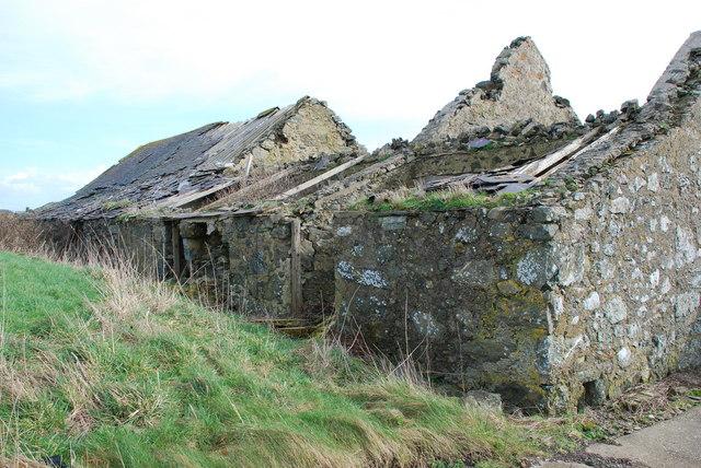 Adfeilion adeiladau fferm - Derelict farm buildings  Methlem