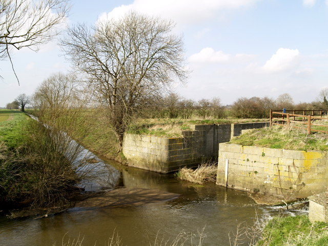 Disused Lock on the Market Weighton Canal