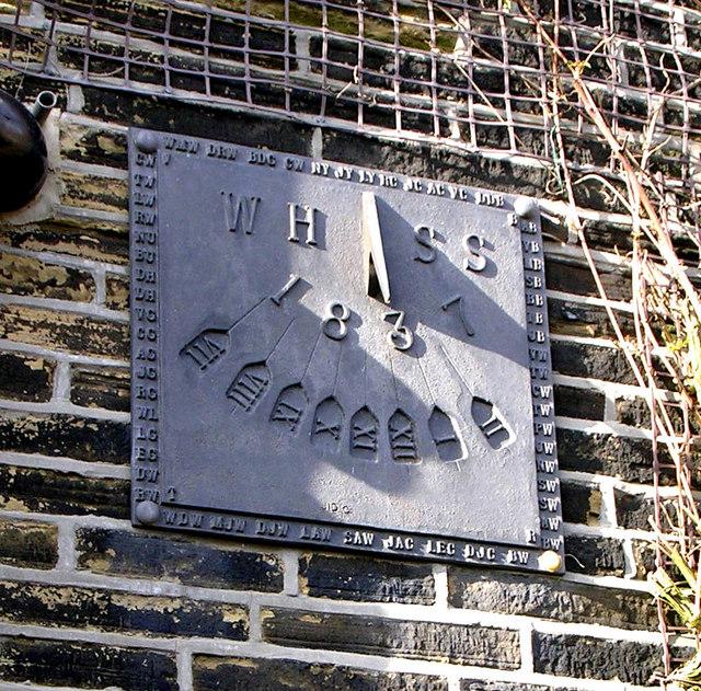 Sun Dial, Woodhall Hills Hamlet