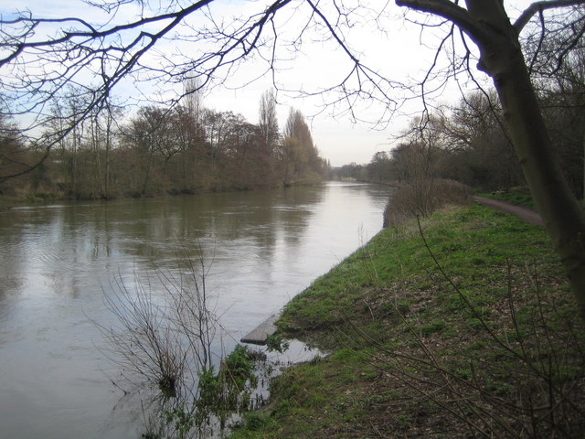 River Thames: Desborough Channel