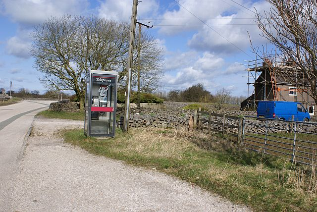 Telephone box on the road to Wardlow Quarry