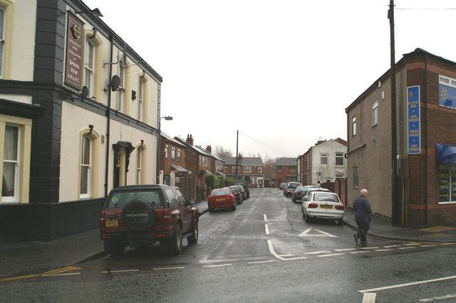 Field Street, Spring View
