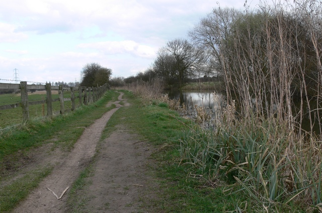 Grand Union Canal Tow Path.