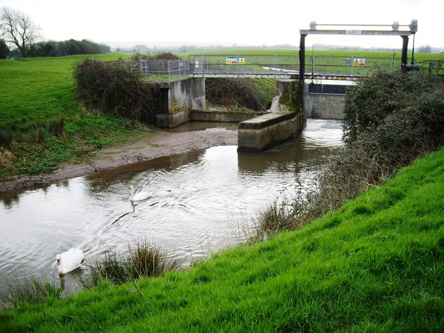 Phipp's Bridge crosses the Yeo