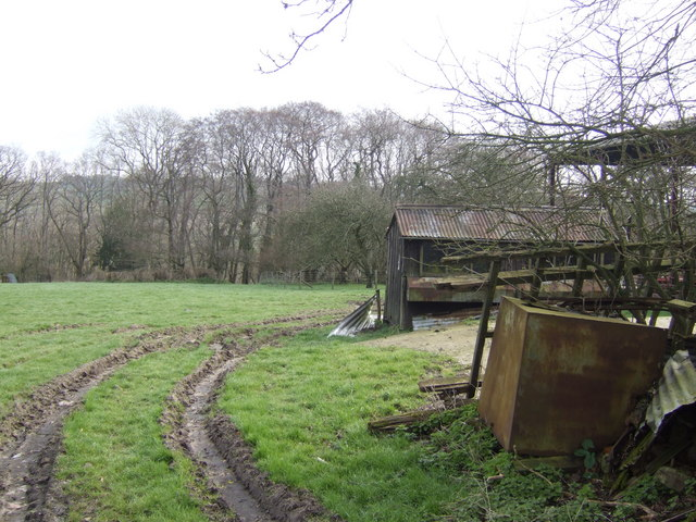Farm buildings by Chantry Wood