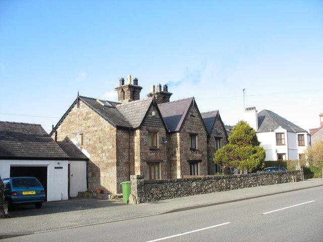 Victorian houses in Stryd Bangor, Felinheli