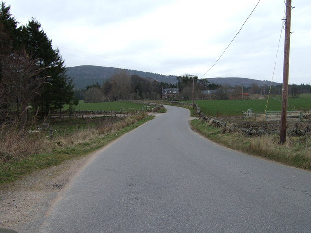 Road north from Hirn