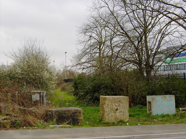 Counter-itinerant barrier, Barnfield Road, Swindon