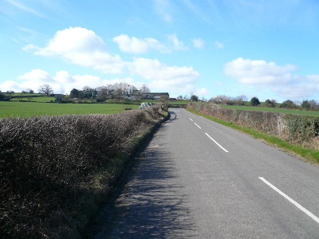 Birkin Lane - View towards Bolehill Farm