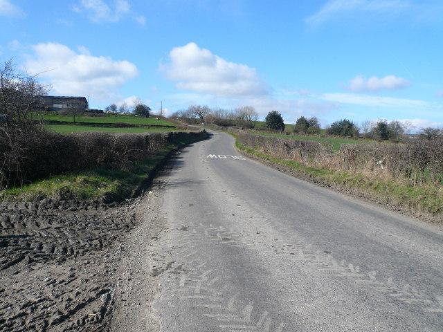 Birkin Lane - View towards Bolehill Farm and Blind Summit
