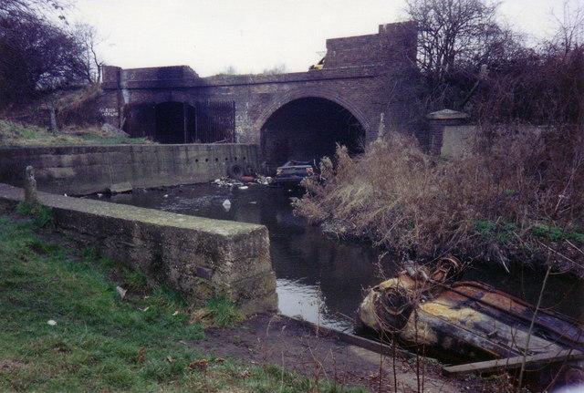 River Crane tunnel, SE end