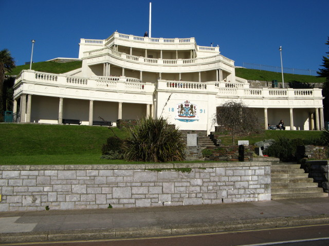 Plymouth Hoe: seating terrace