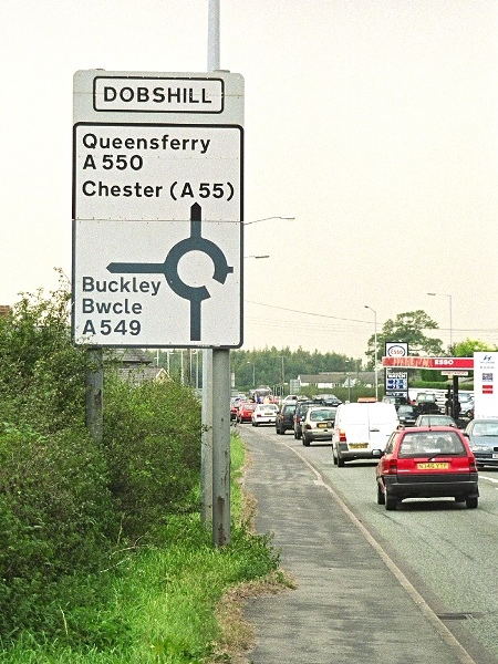 Traffic on the A550 approaching Dobs Hill