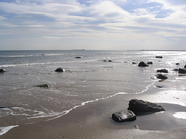 The shoreline at Warkworth Beach